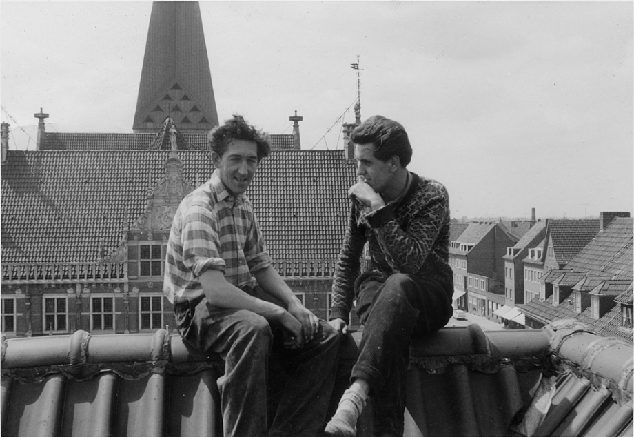Alfred Franzke (rechts) auf dem Dach der Georgs Apotheke in Bocholt